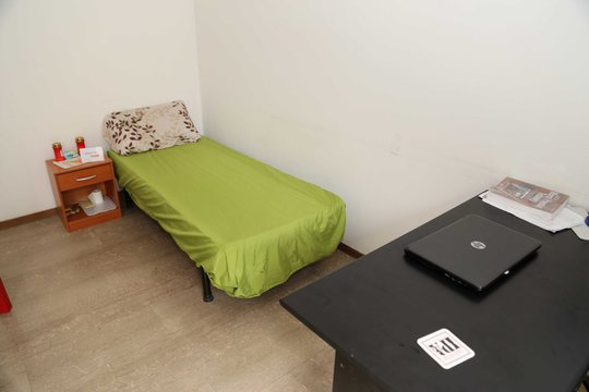 Single room in shared apartment